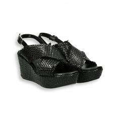 Sandalo pelle intrecciata nero zeppa 60 mm. fondo gomma